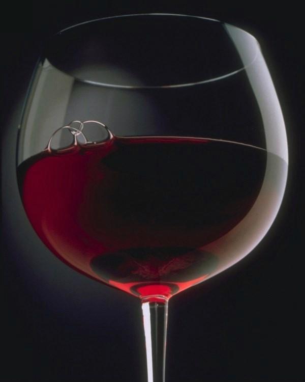 Divine Red Wine Decor