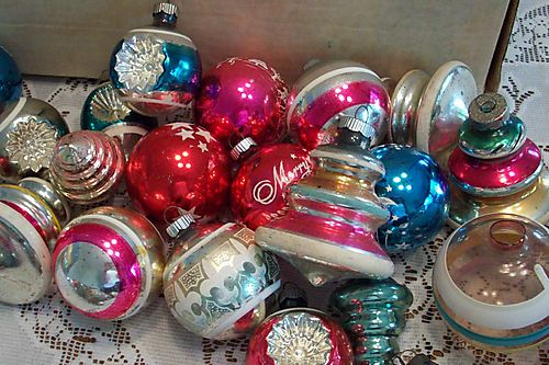 source - Vintage Shiny Brite Christmas Ornaments