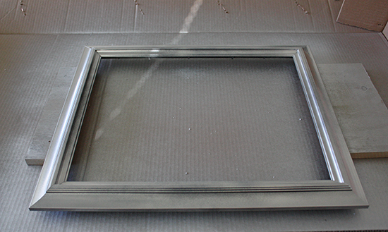Spray Painting Frame for DIY Makeover
