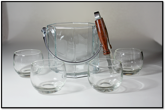 GIVEAWAY-0544-AC+0584-SZ+0190-AC_Barware_Gift_Set_(Blog_-_framed)